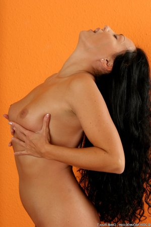 Esme gay escorts in Wickford, UK